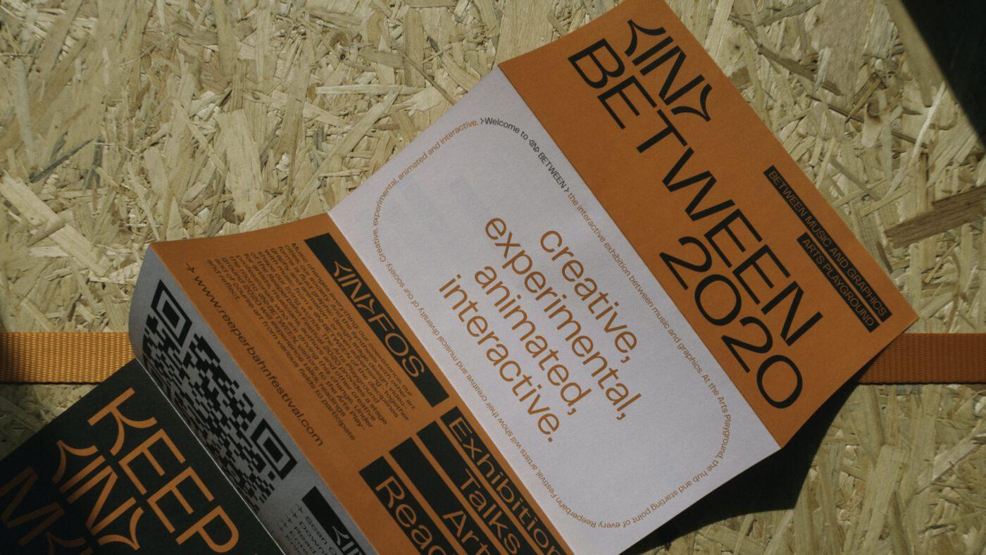 faltflyer zur Ausstellung in between auf dem Reeperbahn festival in hamburg 2020